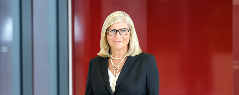 Frau Linnartz (www.dhpg.de/de/unternehmen/team)