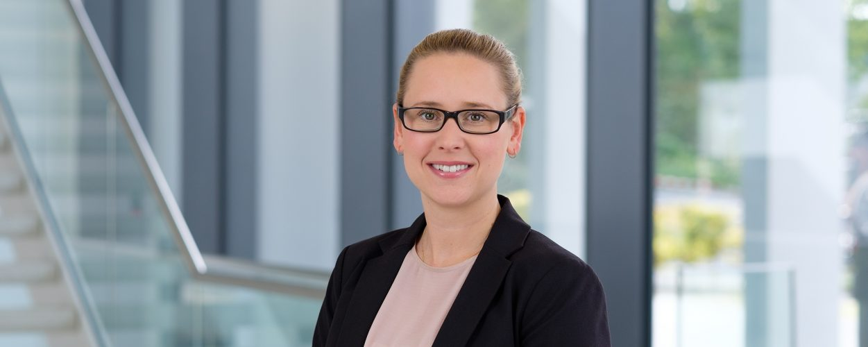 Frau Przygode (www.dhpg.de/de/unternehmen/team)